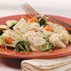 Cheese Ravioli with Veggies Recipe. I actually have some gluten free ravioli in my freezer! Veggie Recipes, Pasta Recipes, Vegetarian Recipes, Dinner Recipes, Cooking Recipes, Yummy Recipes, Dinner Ideas, Yummy Noodles, Italian Recipes
