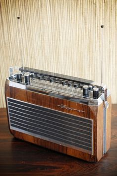 "The most beautiful portable radio EVER! Radionette ""Explorer FM Auto Super DX"" Unfortunately just a photo from the internet so far. Tvs, Televisions, Antenne Fm, Recording Studio Home, Retro Radios, Audio Room, Transistor Radio, Ham Radio, Vintage Designs"