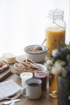 Breakfast Bar Kitchen, Breakfast Bowls, Breakfast Photography, Food Photography, Family Photography, Crockpot Breakfast Casserole, Pause Café, Breakfast Smoothie Recipes, Breakfast Cookies
