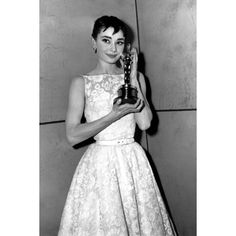 Style File Audrey Hepburn ❤ liked on Polyvore featuring audrey hepburn, audrey and people