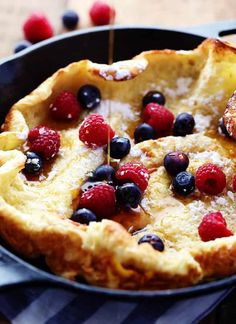 This German Oven Pancake recipe creates a hot puffy golden pancake that only requires 5 minutes of prep and creates a delicious breakfast that you'll love! Dutch Oven Recipes, Cooking Recipes, German Recipes, Healthy Recipes, Breakfast Dishes, Breakfast Recipes, Pancake Recipes, Breakfast Ideas, Pancake Breakfast