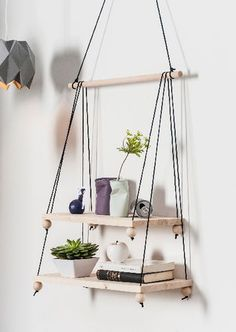Tutorial: Modern hanging shelf at Opitec Cheap Home Decor, Diy Home Decor, Room Decor, Hanging Shelves, Creative Decor, Plant Decor, Interior Design Living Room, Cool Furniture, Decorating Your Home