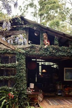 YES! A vine covered tree house ...has to be Malibu!