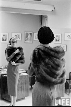 "Everything has to be earned, through work, persistence, and honesty."" -Grace Kelly Princess Grace looking tres chic trying on a fur stole before leaving for Monaco in New York, March Golden Age Of Hollywood, Vintage Hollywood, Classic Hollywood, Monaco, Classical Hollywood Cinema, Timeless Fashion, Vintage Fashion, 30s Fashion, Patricia Kelly"