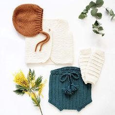 After a warm December, the cold is here now. We are wearing our favourite knits today and it feels so good.