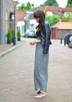Maxi dress: Samsøe & Samsøe / Leather jacket: Zara / Sneakers: Vans / Watch: Michael Kors / Clip-on hairextensions: 1001Extensions
