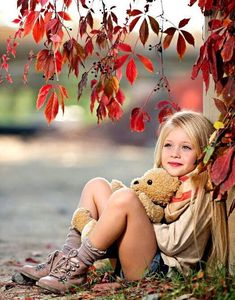 Little Girl Photography, Children Photography, Autumn Photography, Photography Projects, Beautiful Little Girls, Beautiful Children, Cute Kids, Cute Babies, Toddler Poses