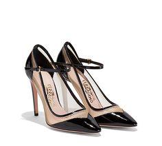 Versátiles y originales, estos zapatos de salón están hechos con una combinación de materiales. Colección PV 2017