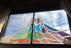 2014/12/31掲載 正月前に、マスキングテープを使って富士山を描いてみました。昼の青空を背景にした富士山。  https://www.facebook.com/kitpas2005  #kitpas #キットパス #window #windowart #doodle