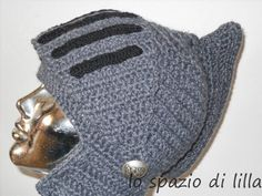 lo spazio di lilla: Facciamo insieme...Il cappello elmo all'uncinetto / Let's make together...The crochet helm hat