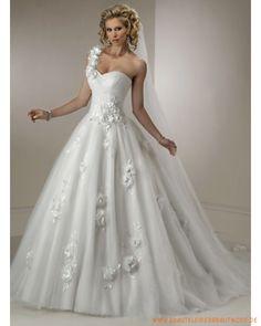 2013 Brautkleder aus Softnetz und Satin Einschulter und Herzausschnitt mit Applikation
