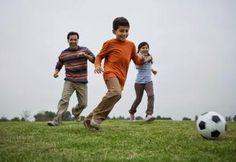 Selain asupan gizi yang cukup dan seimbang, anak usia 6-12 tahun juga memerlukan aktifitas fisik untuk menjaga kebugaran tubuhnya.