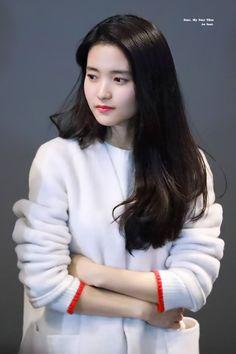 Asian Actors, Korean Actresses, Korean Actors, Seulgi, Korean Celebrities, Celebs, Taeyeon Fashion, Kim Sohyun, Cute Korean Girl