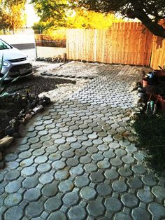 Unordinary Diy Pavement Molds Ideas For Garden Pathway To Try – Pavement İdeas Cheap Landscaping Ideas, Landscaping On A Hill, Driveway Landscaping, Landscaping Supplies, Backyard Ideas, Landscaping Contractors, Landscaping Rocks, Luxury Landscaping, Large Backyard
