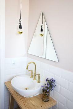 Apartamento industrial pequeno banheiro espelho Triângulo