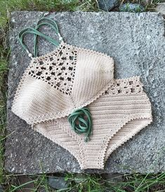 PDF-files for 2 Crochet PATTERNS: Venus crop Top and Aliyah Crochet Bikini Bottom Sizes XS-L, surfer bikini, Highwaist bottom Motif Bikini Crochet, Top Crop Tejido En Crochet, Bikinis Crochet, Crochet Lace, Crochet Hooks, Double Crochet, Single Crochet, Baby Bikini, The Bikini