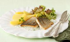 Forellenfilet in Knoblauchsauce   Knorr Waffles, Breakfast, Food, Good Food, Meat, Cooking, Food Food, Simple, Recipies