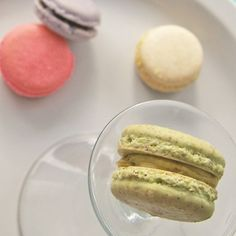 dreamy parisian macarons