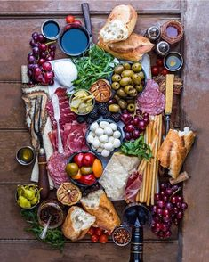 Cheese display ideas antipasto platter 36 Ideas for 2019 Charcuterie Recipes, Charcuterie And Cheese Board, Cheese Boards, Cheese Board Display, Party Food Platters, Cheese Platters, Antipasto Platter, Charcuterie Platter, Meat Platter
