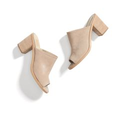 Stitch Fix New Arrivals: Suede Mules. I have been to find a great pair of miles. I love how neutral and versatile this pair is. Look Fashion, Womens Fashion, Runway Fashion, Fashion Trends, Style Me, Cool Style, Fix Clothing, Stylist Pick, Stitch Fit