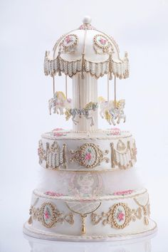 Carousel fondant Cake Gorgeous Cakes, Pretty Cakes, Cute Cakes, Amazing Cakes, Crazy Cakes, Fancy Cakes, Fondant Cakes, Cupcake Cakes, Snickerdoodle Cake
