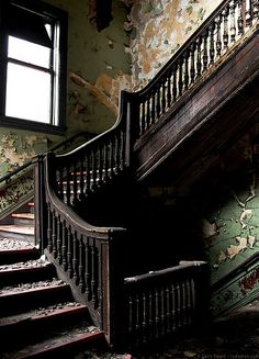 Love the ornate railings in old houses. So much detail that is lacking in 'new' homes.