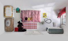 série du photographe Menno Aden intitulée « Room Portraits »