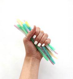 YAY!!!! All waiting for you in www.toystyle.co // Nuestros lapiceros de tinta mojada negra te van a encantar tanto como a nosotros!! Disponibles a través de www.toystyle.co #toystyle #pen #mani #white #nailpolish