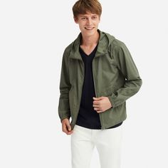 Shop outerwear for men made to keep you covered in style. Find your perfect fit from a range of sizes. UNIQLO US. Uniqlo Jackets, Uniqlo Men, Men's Jackets, The Fashionisto, Slim Fit Jackets, Smart Styles, Military Jacket, Long Sleeve Shirts, Casual Outfits