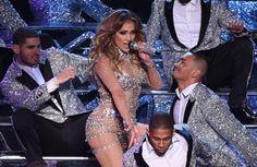 Pin for Later: La Dernière Performance de Jennifer Lopez Était Tellement Sexy Qu'elle a Fait Rougir Las Vegas