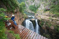 Magoebaskloof treetop canopy tour near Tzaneen Bungee Jumping, Local Events, Day Hike, Wedding Book, Rafting, Nice View, Places To See, South Africa, Scenery