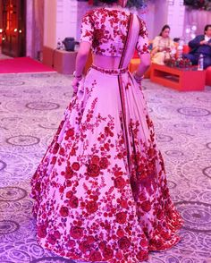 Looking for Bridal Lehenga for your wedding ? Dulhaniyaa curated the list of Best Bridal Wear Store with variety of Bridal Lehenga with their prices Floral Lehenga, Red Lehenga, Bridal Lehenga, Lehenga Choli, Anarkali, Indian Bridal Outfits, Indian Bridal Wear, Bridal Dresses, Prom Dresses