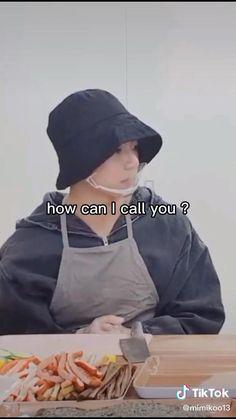 Kim Taehyung Funny, Bts Taehyung, Bts Jimin, Super Funny Videos, Bts Funny Videos, Mode Kpop, Bts Funny Moments, Bts Face, Les Bts