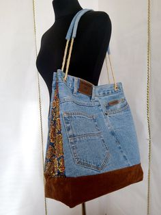 Large Hobo denim bag made from recycled jeans with pockets and lining Trend 2019 Sale! Large Hobo denim bag made from recycled jeans with pockets and lining Trend 2019 Denim Handbags, Denim Tote Bags, Denim Purse, Hobo Handbags, Diy Jeans, Recycle Jeans, Ropa Upcycling, Jean Purses, Hobo Purses
