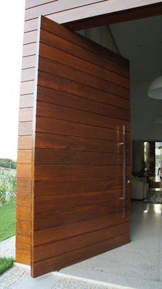 Porta reguada em madeira Ipê roxo