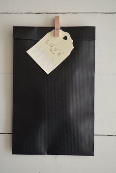 Bundle of 100 black Kraft paper favor bags --- For your party favors, small holiday presents or wedding favors door SierGoed op Etsy