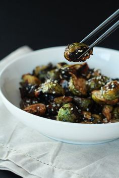 Honey Soy Roasted Brussels Sprouts, just five ingredients and done in 20 minutes. A healthy side dish you need to have! | joyfulhealthyeats.com  #recipes