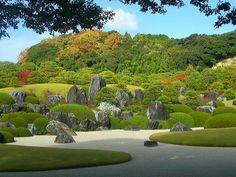 """借景の山々と庭園との調和が見事な、足立美術館の主庭である""""枯山水""""。 Japanese Landscape, Japanese Gardens, Garden Compost, Gardening, Japan Garden, Japanese Culture, Colorful Flowers, Red Color, Shrubs"""