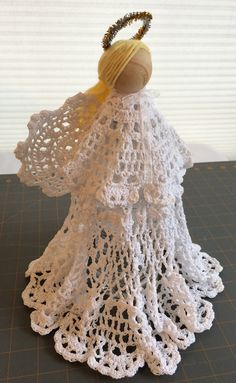 Starched Doily Christmas Angel 6 Christmas Ornament Crafts, Christmas Crafts For Kids, Xmas Crafts, Christmas Angels, Christmas Projects, Vintage Christmas, Christmas Holidays, Diy Crafts, Christmas Ideas