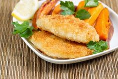 I promise that you will find it nearly impossible to tell the difference between this Crispy Baked Cod and the fried version (minus the sogginess & grease). Cod Recipes Oven, Seafood Recipes, Cooking Recipes, Baked Cod Fish Recipes, Healthy Cod Recipes, Easy Fish Recipes, Cooking Games, Fish Dinner, Seafood Dinner