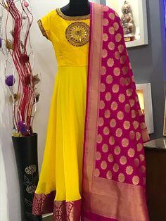 Beautiful yellow color floor length ananrkali dress with pink color brocade dupatta.Can be customisedTo order WhatsApp 9959021569 01 September 2018 Anarkali Kurti, Lehenga, Dress Neck Designs, Blouse Designs, Designer Gowns, Indian Designer Wear, Chudidhar Designs, Mode Bollywood, Ikkat Dresses