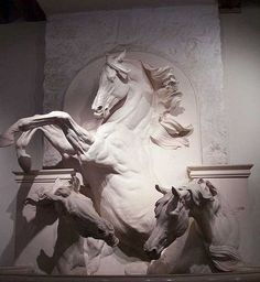 A statue in The Great Stables at the Domaine de Chantilly, which is now The Living Museum of the Horse, where dressage exhibitions are given to the public. Horse Sculpture, Animal Sculptures, Horse Anatomy, Horse Artwork, Plastic Art, Horse Drawings, Equine Art, Horse Pictures, Art Photography