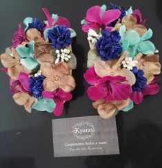 Hombreras de flores que ya están con otras de nuestras flamencas #hombreras… Fashion Accessories, Hair Accessories, Fascinator, Design Projects, Embroidery, How To Make, Handmade, Diy, Inspiration