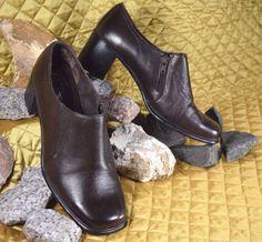 6de57d79f642 Women s Brown Booties Size 9 W Leather Zip Up Boot Heels Comfort Thom McAn   ThomMcAn  Booties  Heels  ThomMcAn