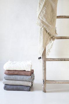 Ropa de hogar y moda en lana, cashmere, lino y tejidos naturales | Teixidors