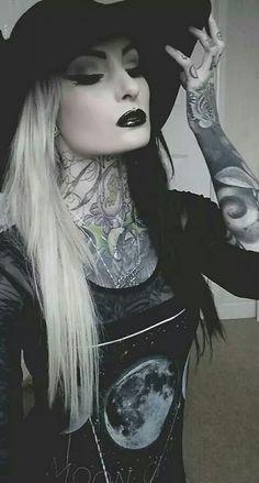 Alternative modeling is so beautiful. Dark Beauty, Goth Beauty, Dark Fashion, Grunge Fashion, Gothic Fashion, Gothic Girls, Alternative Girls, Alternative Fashion, Tribal Fusion