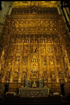 Capilla Mayor Altarpiece, Toledo, Spain, via Flickr.