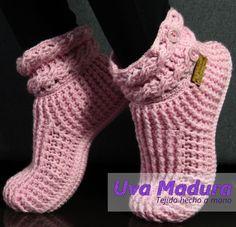 Crochet Art, Crochet Slippers, Crochet Clothes, Fingerless Gloves, Arm Warmers, Hand Knitting, Ted, Handmade, Fashion