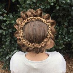 Each night, Shelley thinks of a new style for the next morning. On school days around 15-20 minutes are allocated braiding time. The more intricate styles are saved for weekends.