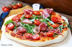 Ciasto na pizzę włoską - najlepszy i sprawdzony przepis. Zawsze się udaje i smakuje jak we Italii :-) Każdy sobie z nim poradzi!